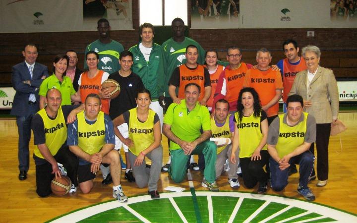 El equipo 'One Team' formado por Unicaja, Proyecto Hombre y Fuerte Hoteles.