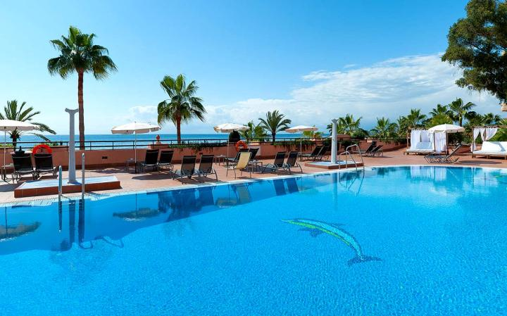 Fuerte Marbella Hotel swimming-pool