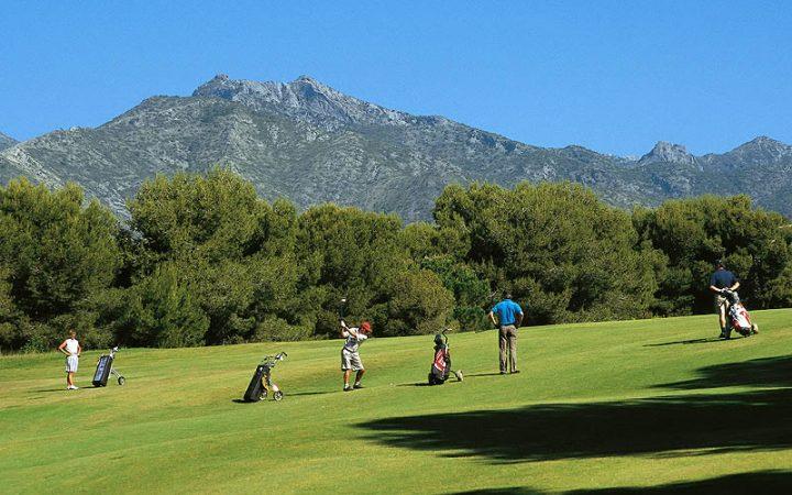 Disfruta del golf a tan solo 15 min. de los hoteles