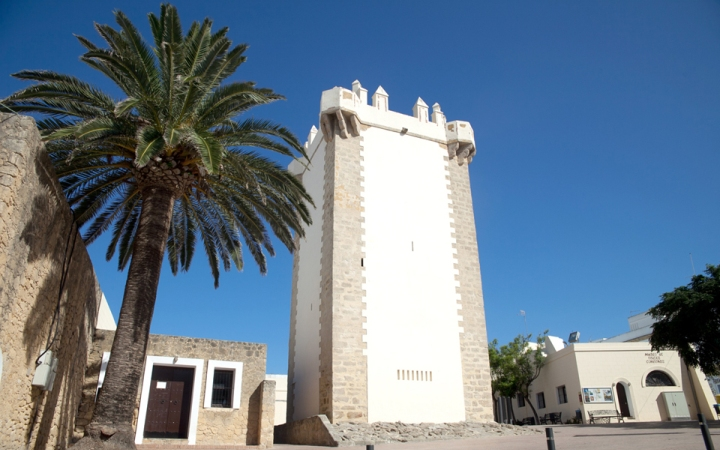 Guzman Tower, located in the square where festivals are celebrated