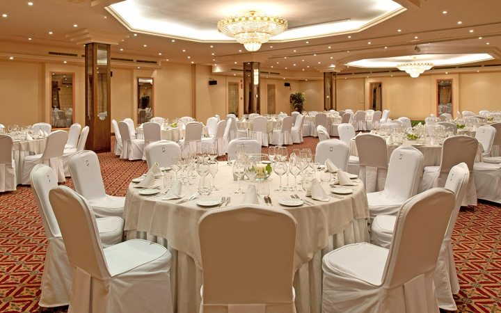 Indoor halls, ideal to celebrate receptions