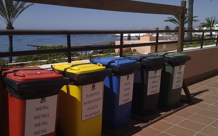 sostenibilidad - Las islas ecológicas que separan los residuos ayudan a conservar el medioambiente
