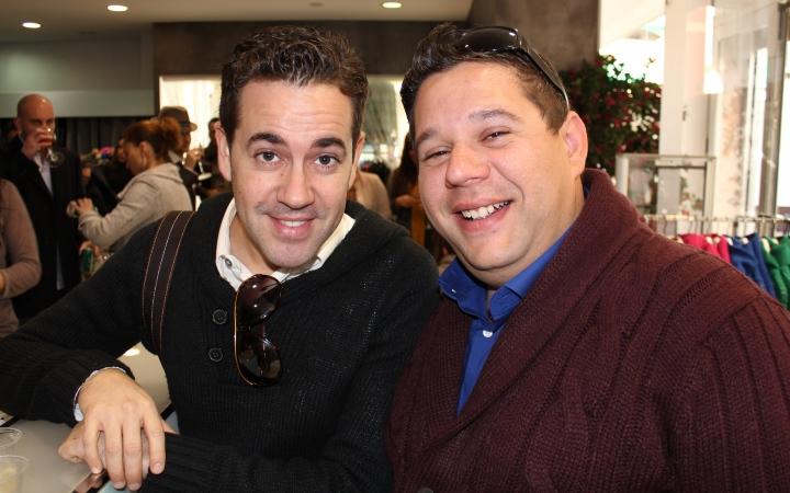 A la derecha, el ganador del concurso: Salvador Vallejo