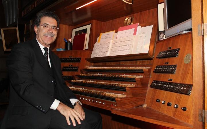 El organista Juan Paradell Solé, primer titular de la Cappella Musicale Pontificia