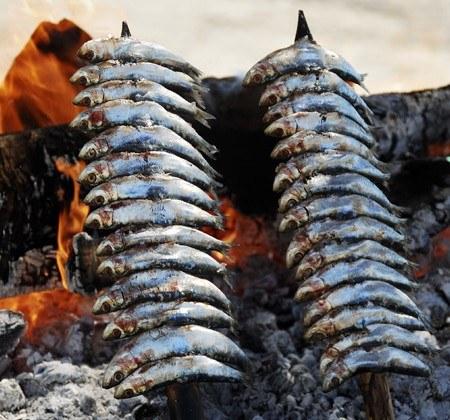 Espeto de sardinas