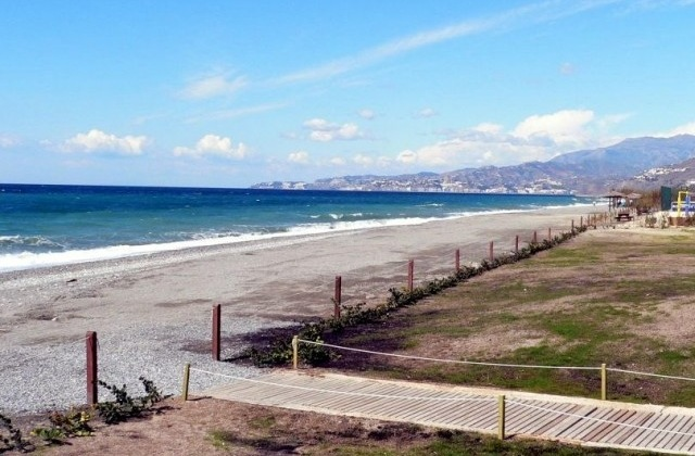 playa azucenas 2