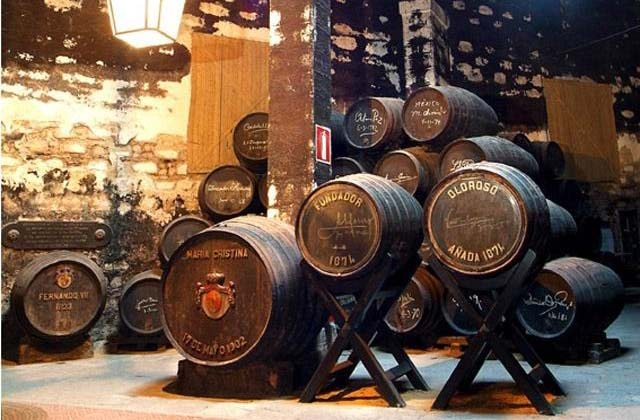 Bodegas de Jerez - Fundador Pedro Domecq y Harveys