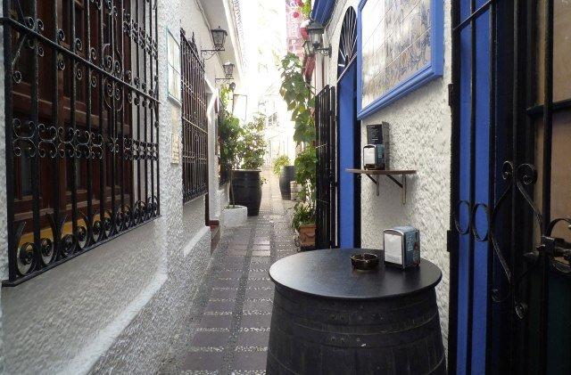 Calle estrecha del casco antiguo