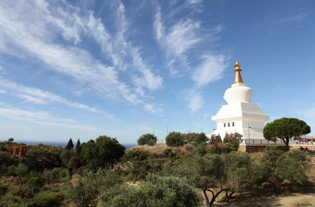 Stupa_en_Benalmadena
