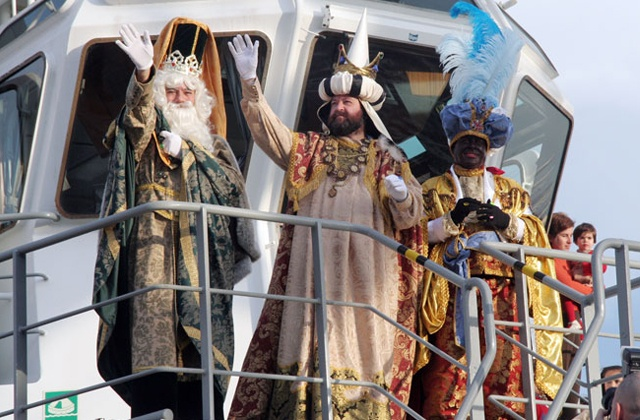 The Reyes Magos or Three Wise Men are on their way: Desembarco de los Reyes Magos en el Puerto de Málaga