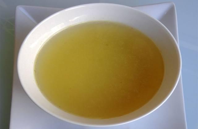 andalusische Rezepte - Caldo de pollo (Hühnerbrühe)