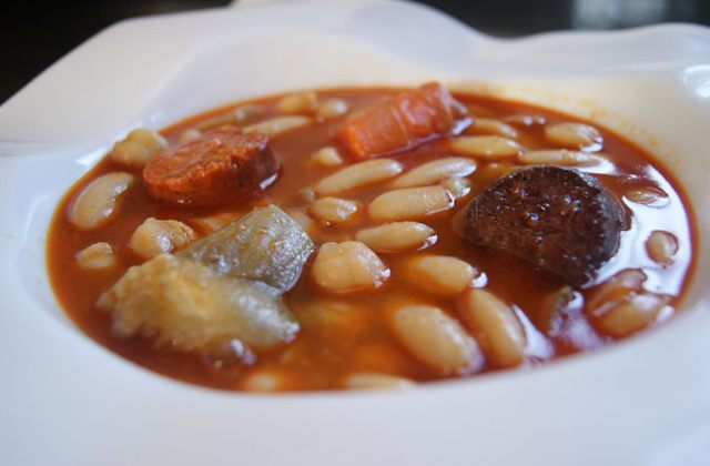 10 Andalucian recipes to warm you up - Bean Soup