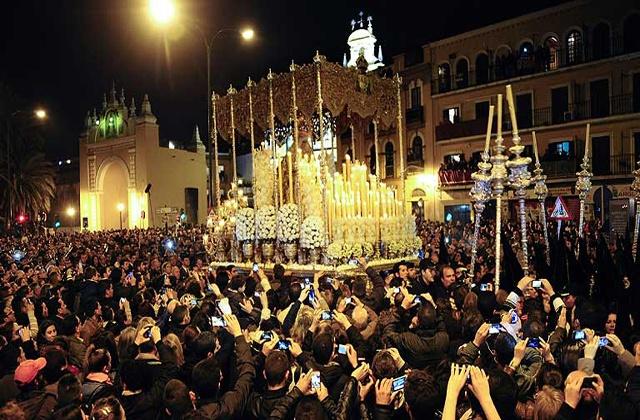Las procesiones de Semana Santa en Andalucía - la madruga sevilla