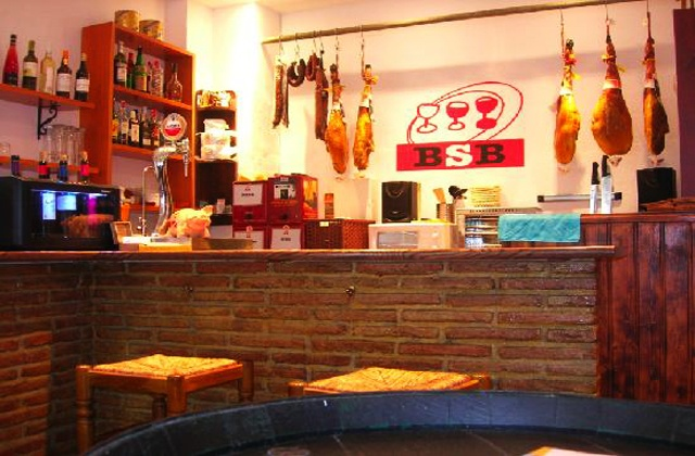 beach bars and restaurants Marbella - bodega san bernabe
