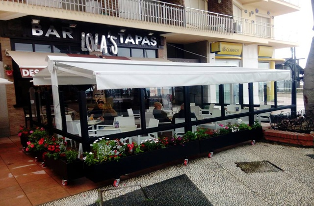 beach bars and restaurants Estepona - lolas tapas