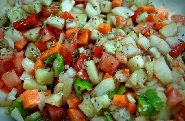 recetas refrescantes de verano - Pipirrana. Fotografía R. Reina Martell