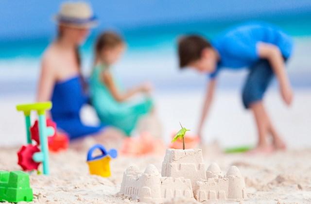 Ayúdales a construir castillos de arena
