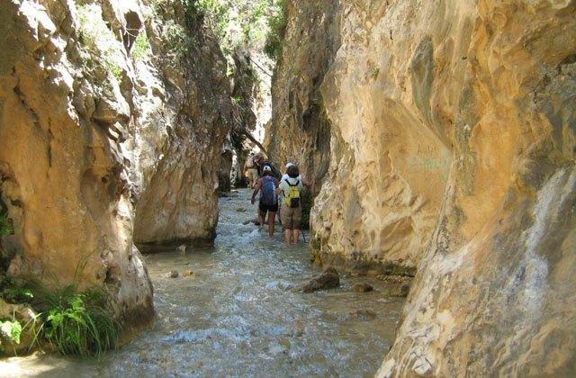 Rutas de senderismo en Andalucia - Ruta Rio Chillar, Nerja. Fotografía by Caminete Luna