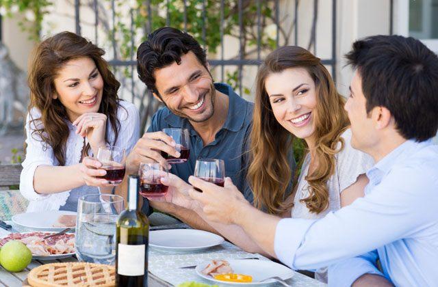 Salir a cenar con los amigos