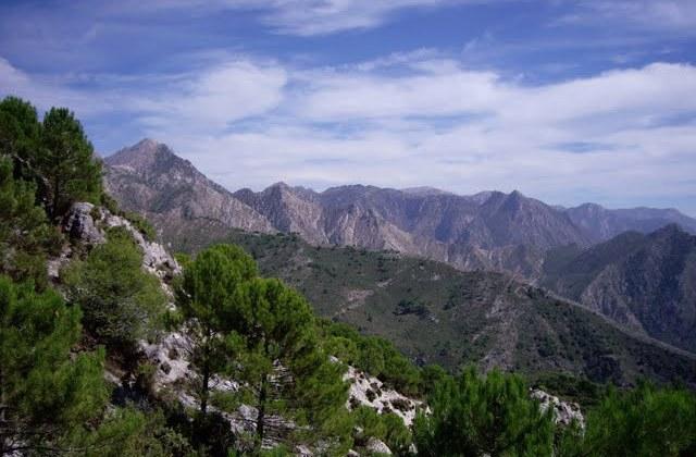 Rutas de senderismo en Andalucía - Sierra Almijara. Fotografía by Legna, RedVerSo