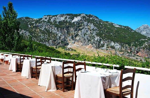 Restaurantes con vistas de Andalucía - Terraza hotel Fuerte Grazalema