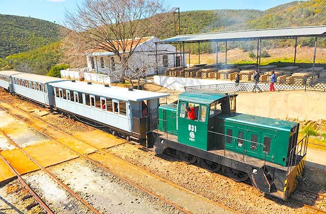 Ferrocarril Rio Tinto - Crédito editorial: joserpizarro / Shutterstock.com