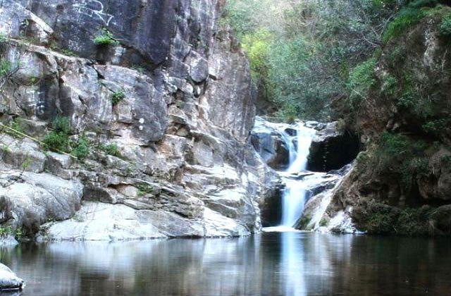 Wasserfälle Andalusiens - Barranco Blanco. Fotografía by lugaresdemalaga.blospot.com