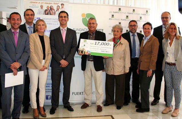 Los Directores de Fuerte Hoteles junto a Luis Domingo López, de Horizonte, e Isabel García, presidenta de Grupo El Fuerte
