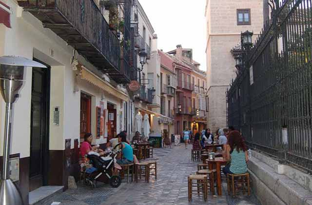 Cafés in Malaga - La Tetería. Photo: caminoatrejo.com