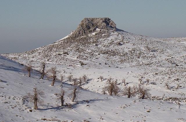10 places to enjoy the snow in Andalucia - Peñón de los Enamorados