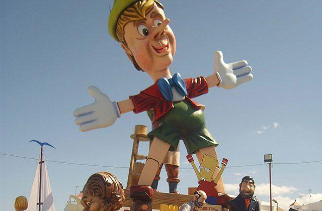 Fiestas curiosas - Falla San José. Fotografía: elblogdemengibar.com