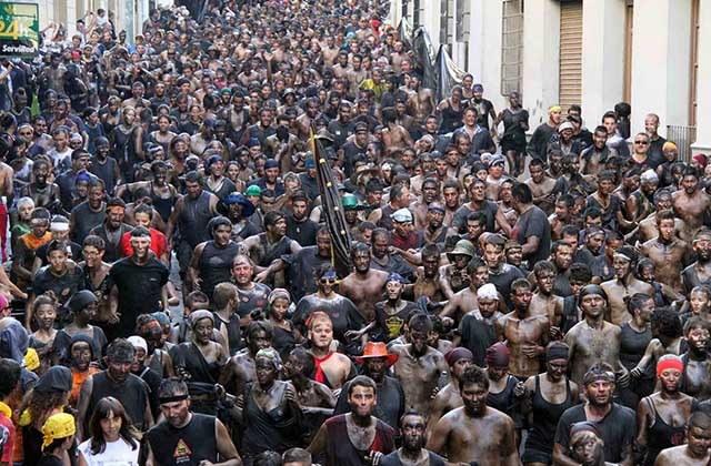 Fiestas curiosas - Cascamorras de Baza y Guadix. Fotografía: feriadebaza.com
