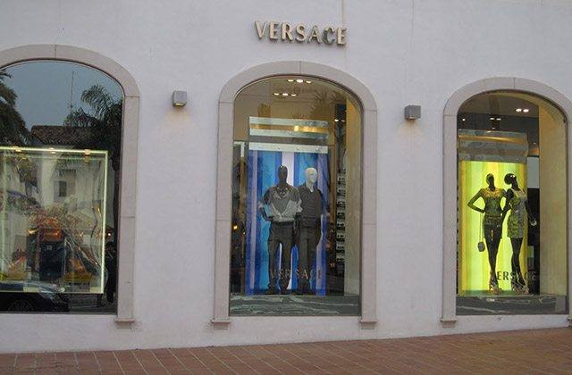 Marbella shopping - Versace