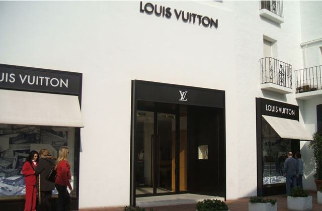 Marbella shopping - Louis Vuitton