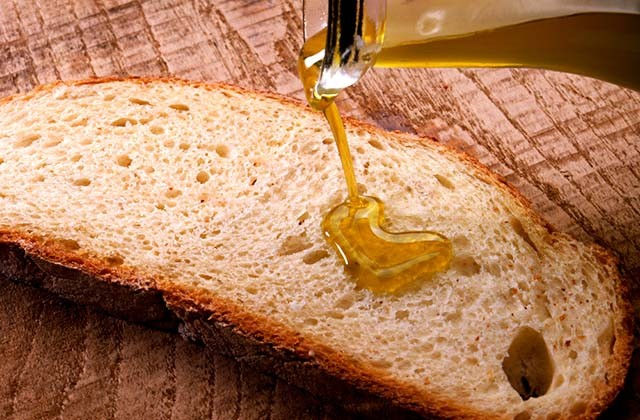 Día de Andalucía - Pan con aceite de oliva