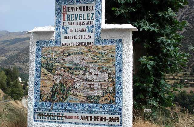 Entrada al pueblo de Trevélez