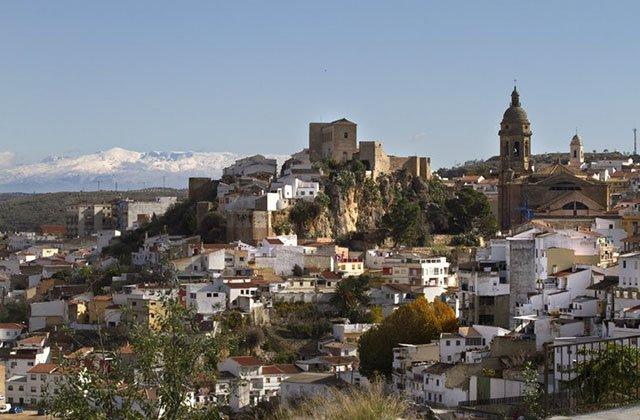 Medium-sized towns - Loja. Photo: tuhistoria.org