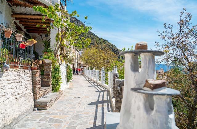 Pampaneira, Alpujarras - credito Lucy Left / Shutterstock.com