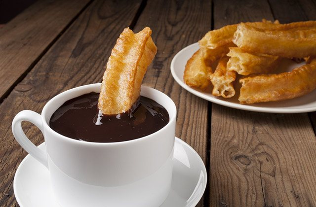 Basic guide for attending the San Bernabé Fair in Marbella: Chocolate con churros
