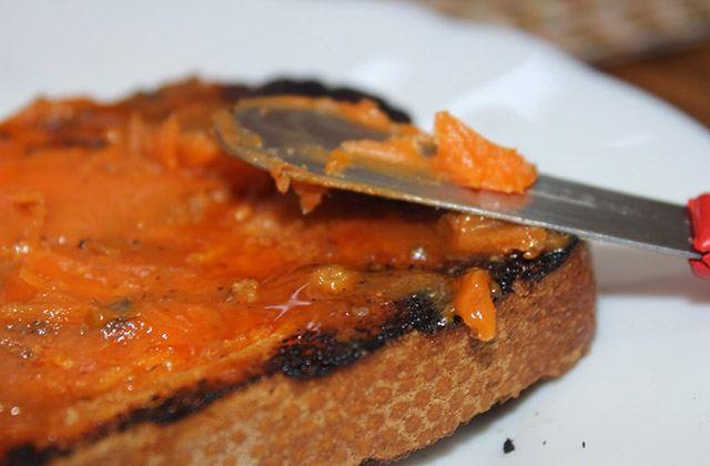 Frühstücken in Andalusien, die gesündeste Form, den Tag zu beginnen: Pan y manteca colorá: Fotografía: tapitasypostres.blogspot.com