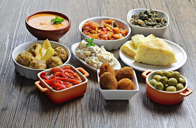 Things to See and Do in Andalucia - Tapas in Granada