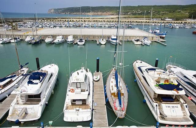 Ports maritimes et de plaisance d'Andalousie - Puerto de Barbate. Fotografía de Surcando.com