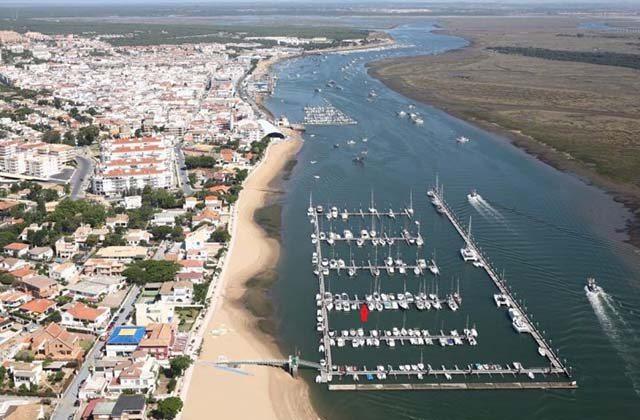 Los puertos marítimos y deportivos más bonitos de Andalucía - Puerto de Punta Umbría. Fotografía de Barcos.net