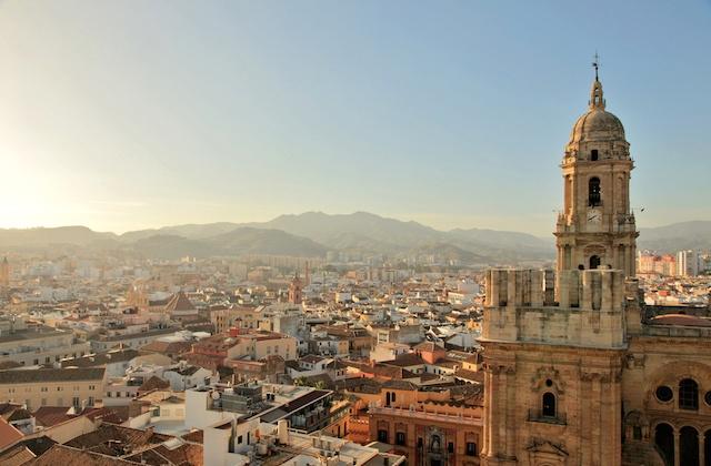 Malaga facts - La 'Manquita Malaga cathedral