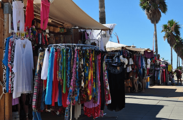 Things to do in Conil de la Frontera - Market on Fridays and to the stands to do shopping in Conil