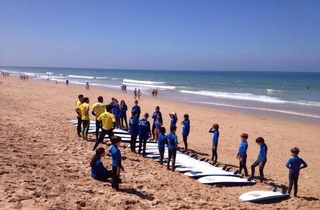 que hacer en Conil de la Frontera - Surf en Conil. Fotografía de Conil Surf Academy