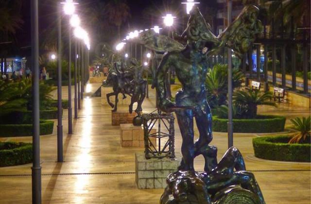 Avenida de Dalí. Fotografía de Marbella 2.0