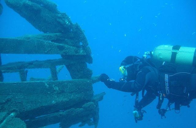 The best places to scuba dive, dive or snorkelling in Andalucia: Algeciras. Fotografía de http-::es.topsportholidays.com: