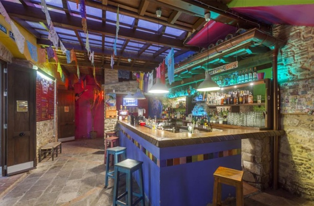 Discover ten places to refresh with the best mojitos in Aldalusia: Bar Taco Way, Tarifa