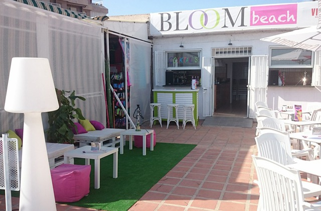 Discover ten places to refresh with the best mojitos in Aldalusia: Bloom Beach, Torrox